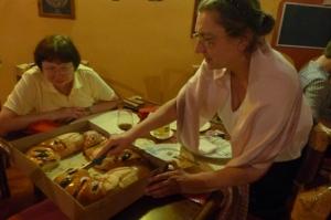 cutting the rosca