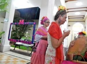 Fridas in pink